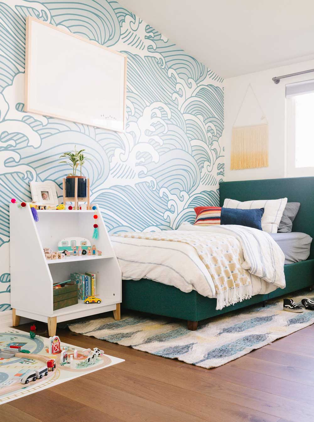 Kids Bedroom Ideas - Feature wall fun